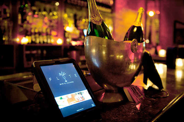 iBESTmag - Champagne a New York - Flute Bar Lounge Midtown Manhattan