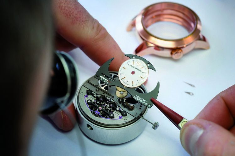 """Girard-Perregaux-Constant-Escapement-LM-Assembly-photograph by """"picture : patriceschreyer.com"""""""